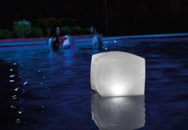 Lučka plavajoča led 23x23x22 cm, Intex, Ari.